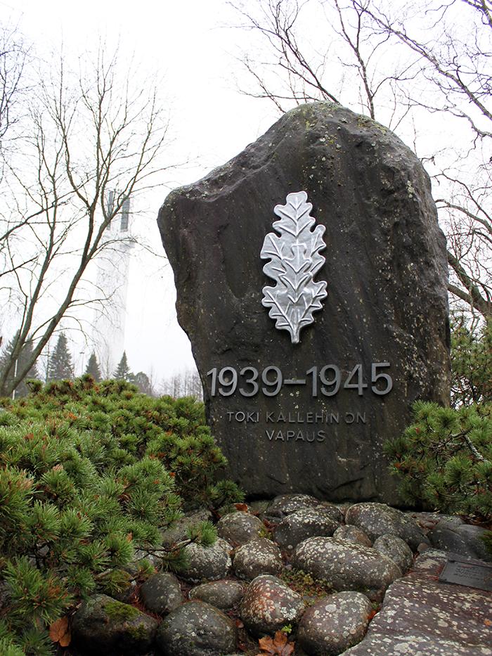 Visit Seinäjoki patsaskierros - Sotaan lähtevien kivi
